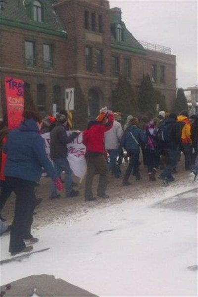 Les étudiants ont marché dans les rues