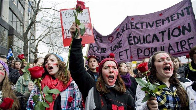 Manifestation étudiante au centre-ville de Montréal le 8 mars.