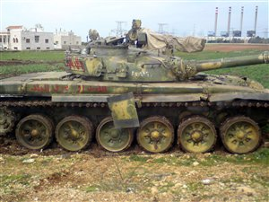 Un char de l'armée syrienne déployé dans la province de Hama le 15 avril 2012.