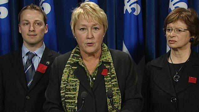 Le chef péquiste Pauline Marois réagit à la suspension des négociations entre le gouvernement et les étudiants.