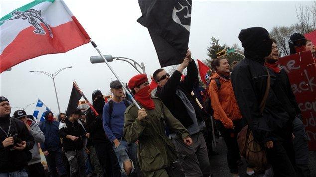 Manifestants anticapitalistes à Victoriaville