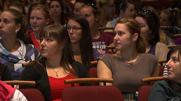 Les étudiants de la Faculté d'éducation de l'Université de Sherbrooke étaient réunis au Centre Culturel pour tenir leur assemblée générale, le 20 août 2012