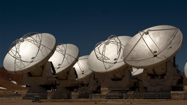 Les antennes radiotélescopiques du projet ALMA, dans le nord du Chili.