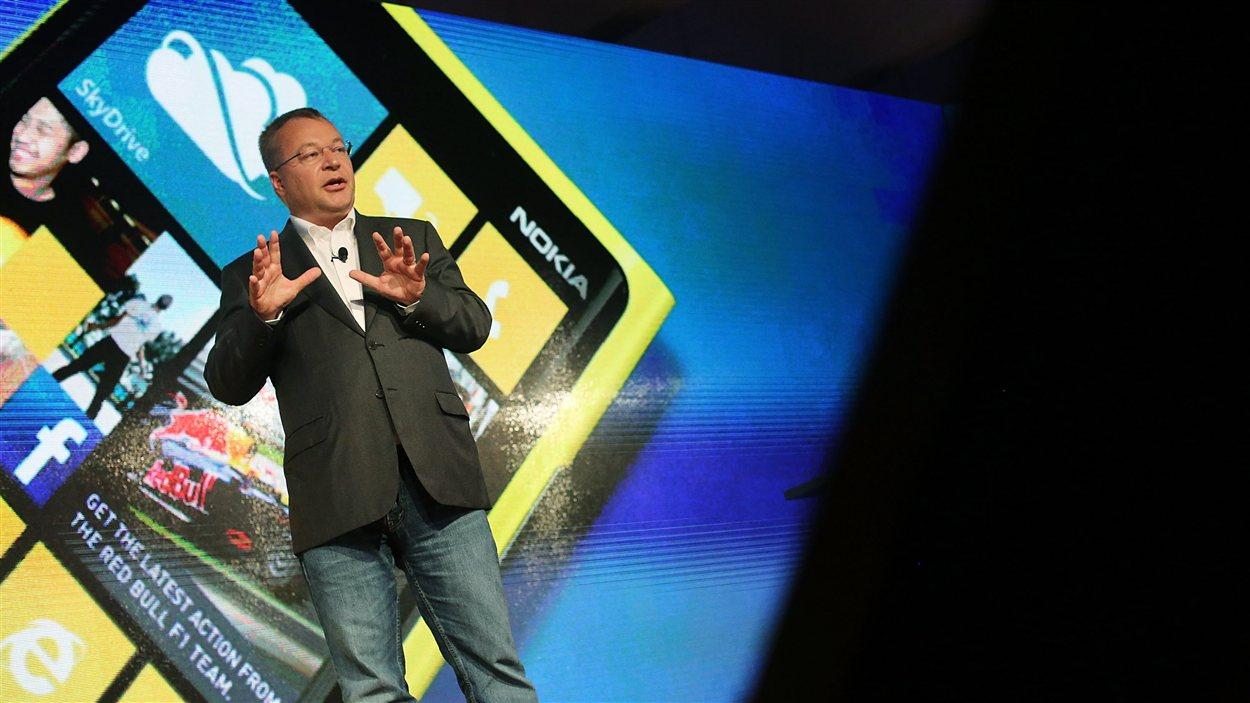 Stephen Elop, directeur de Nokia, a dévoilé les nouveaux Lumia 920 et 820 lors d'un événement conjoint avec Microsoft à New York, le 5 septembre 2012