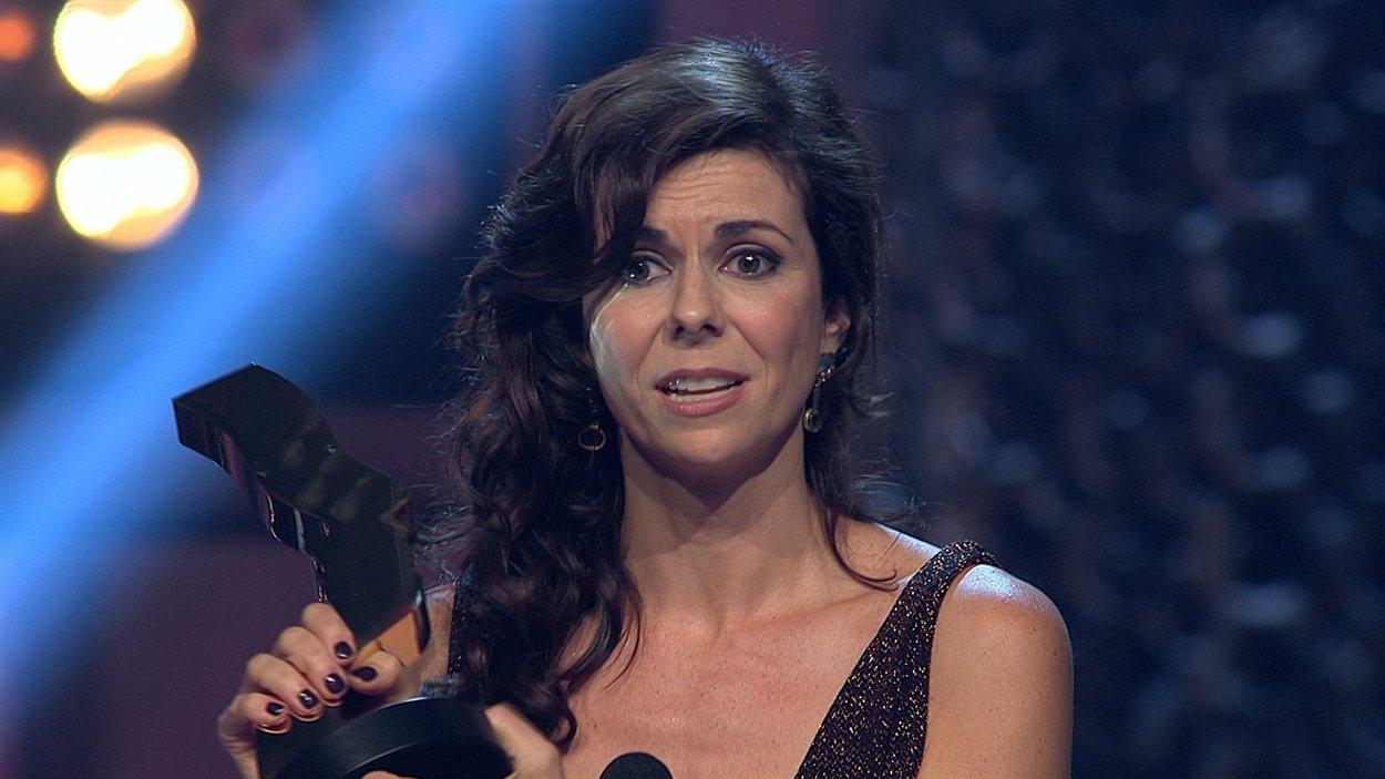 Myriam LeBlanc remporte le prix du meilleur premier rôle féminin dans une dramatique pour « Apparences ».