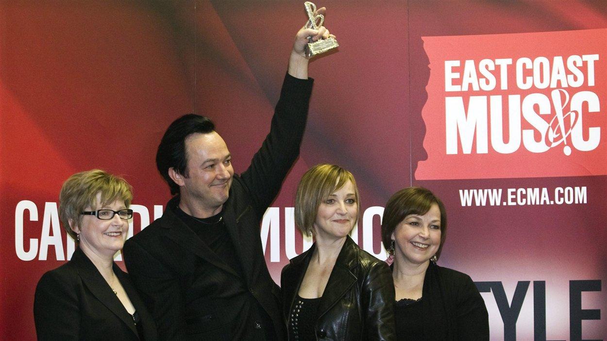 Raylene, Jimmy, Heatheret Cookie Rankin.