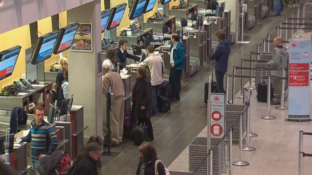 Les vols en partance ou en provenance des États-Unis ont été annulés.