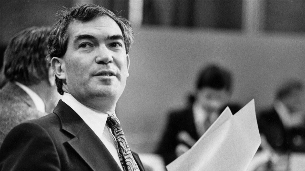 Robert Kaplan le 21 janvier 1981 à Ottawa, alors qu'il était Solliciteur général du Canada.