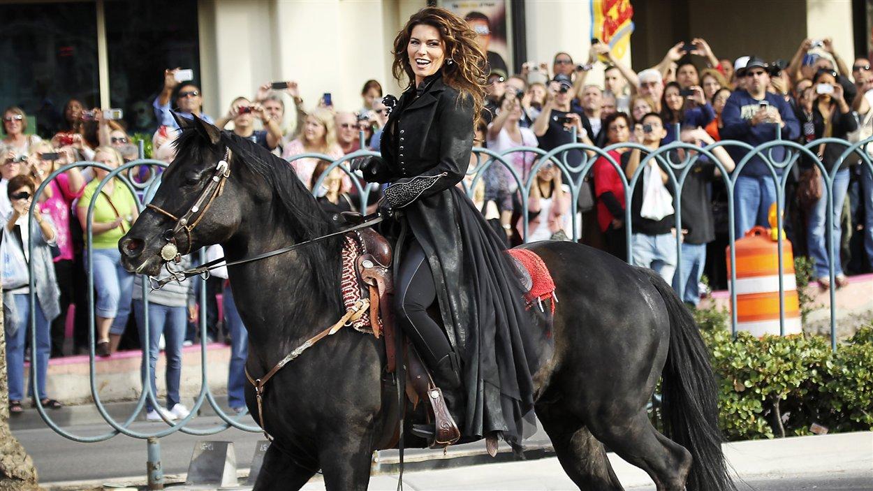 Shania Twain a fait son entrée à Las Vegas sur un cheval.