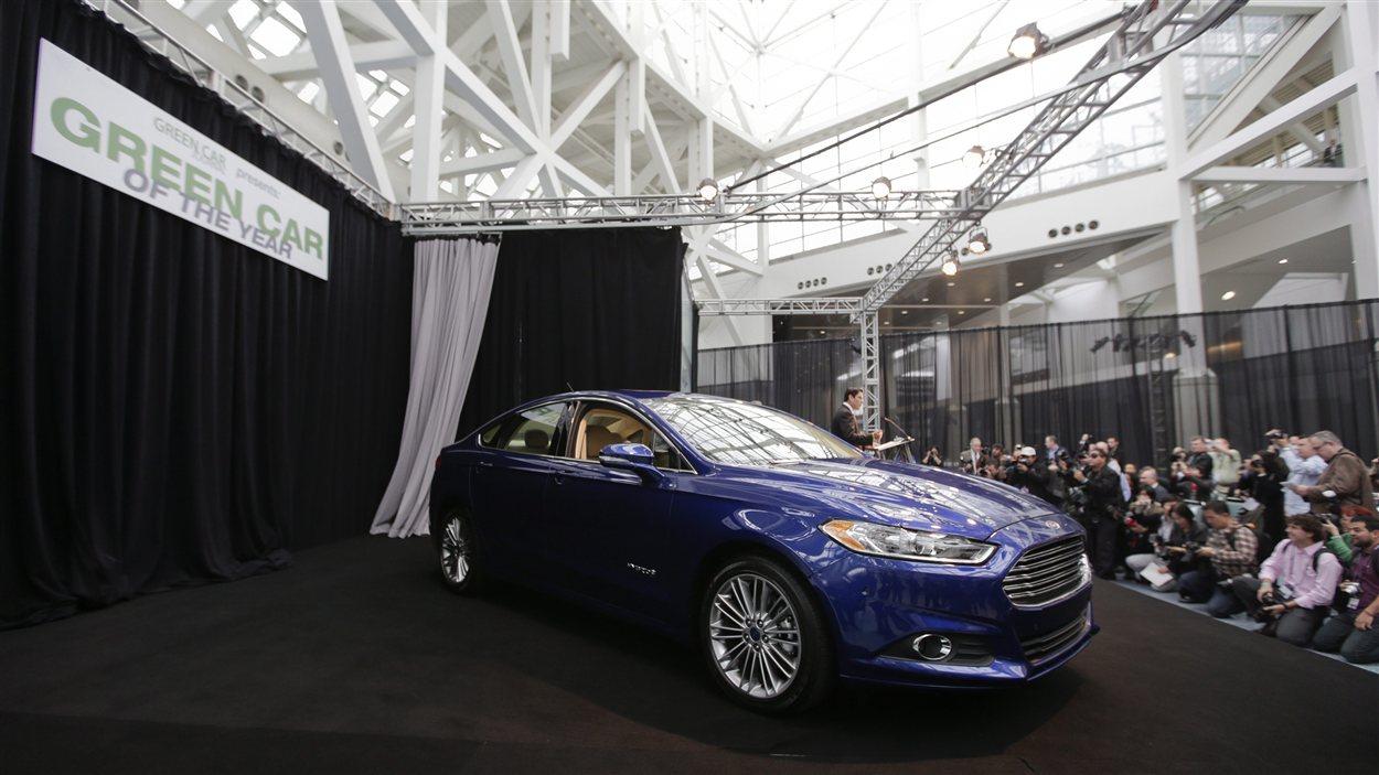 La Ford Fusion a été choisie comme voiture verte de l'année jeudi au Salon de l'auto de Los Angeles.