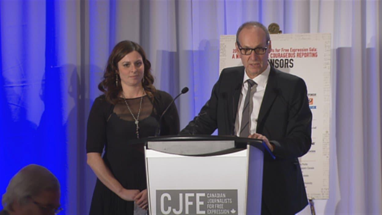 Les journalistes Marie-Maude Denis et Alain Gravel