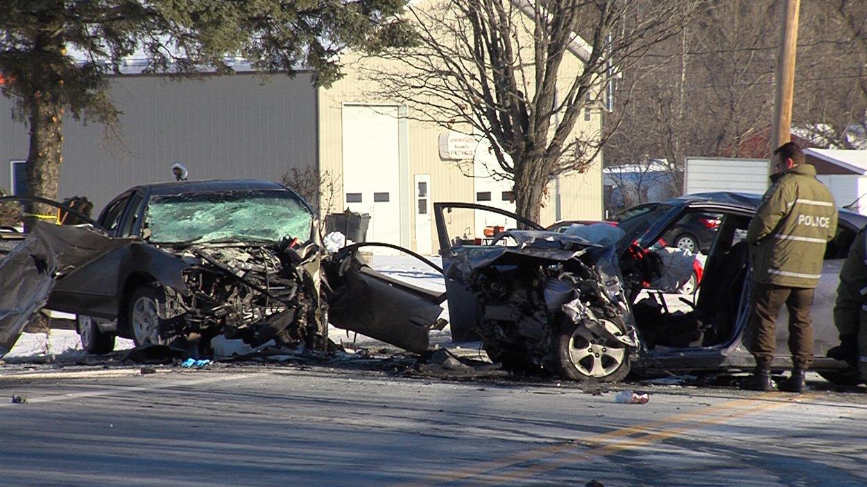 La collision a fait trois blessés très graves.