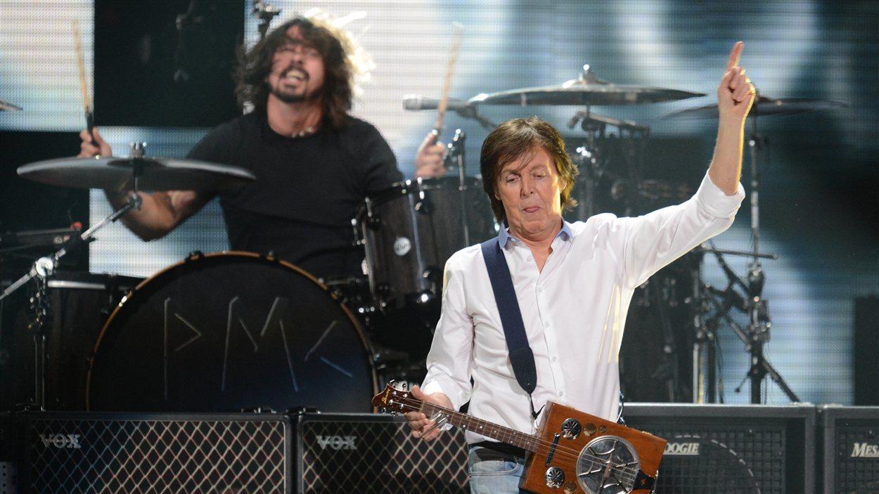 Paul McCartney a joué le rôle de Kurt Cobain lors d'une réunion des membres de Nirvana à l'occasion d'un concert-bénéfice pour les victimes de Sandy.