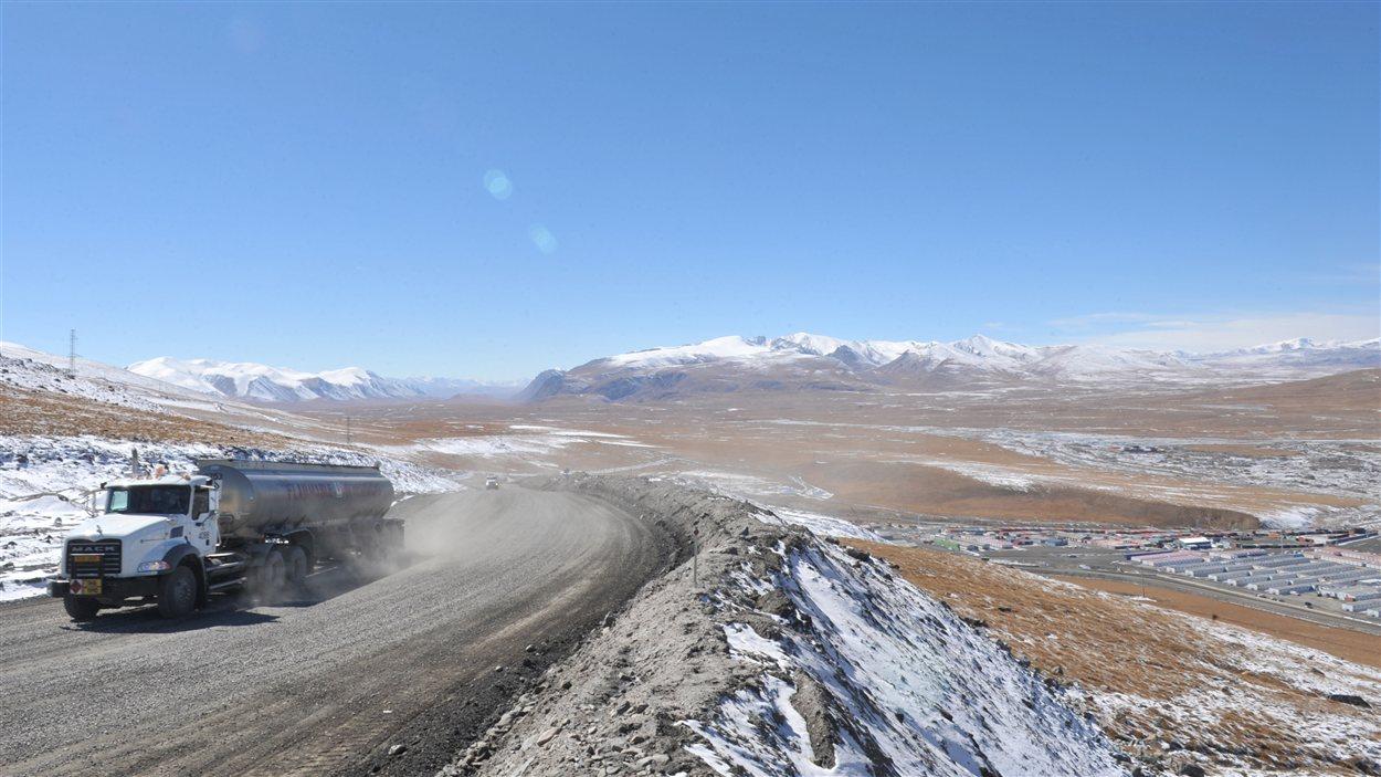 Vue de la mine Kumtor, au Kirgizstan