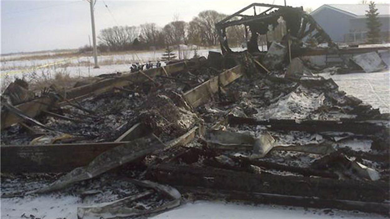 La maison détruite par les flammes dans la municipalité rurale de Springfield