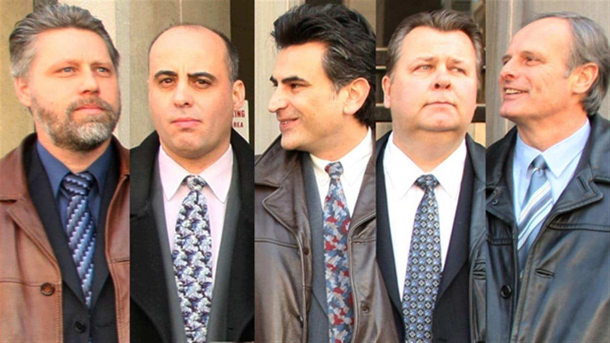 De gauchae à droite : Raymond Pollard, Steven Correia, Ned Maodus, Joe Miched et John Schertzer
