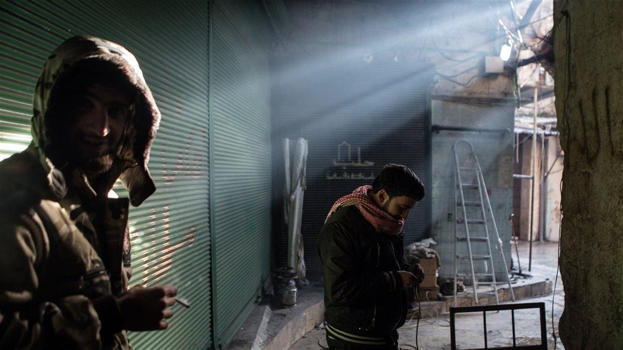 Des rebelles à Alep
