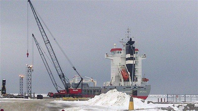 Navire au port de Matane