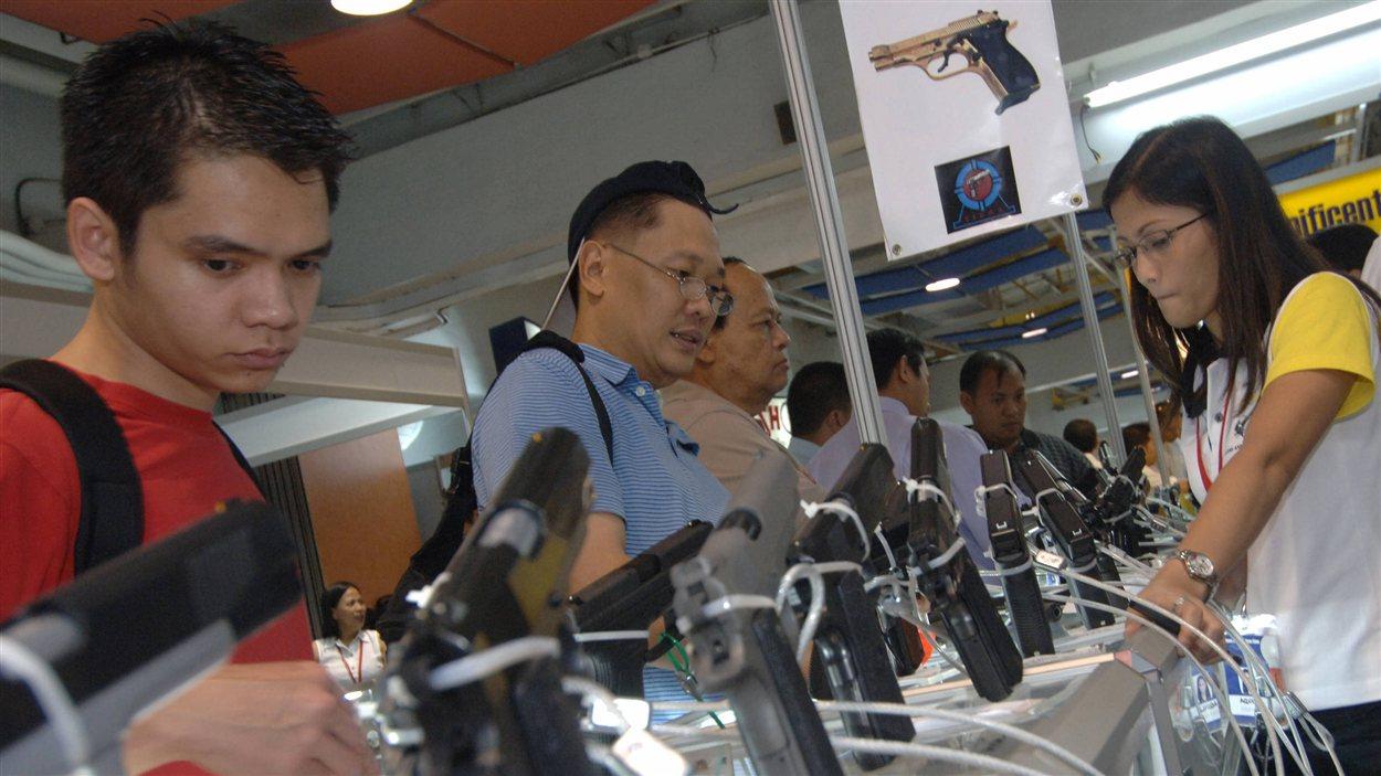 Pas d 39 armes en public avant les lections en philippines for Salon des armes a feu
