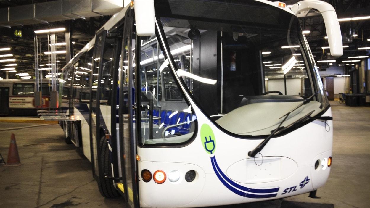 Autobus électrique de la STL.