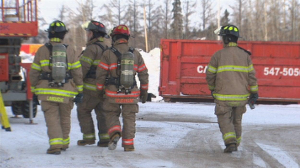 Une explosion force les pompier à intervenir dans un commerce en rénovation