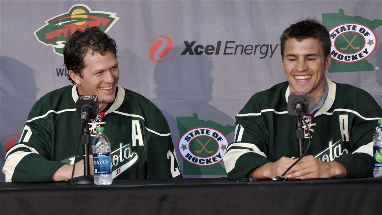 Ryan Suter (gauche) et Zach Parisé