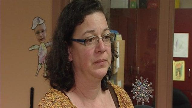 La directrice du centre éducatif Gard'Amis, Sylvie Gaudreault, parle du problème d'infiltration d'eau.