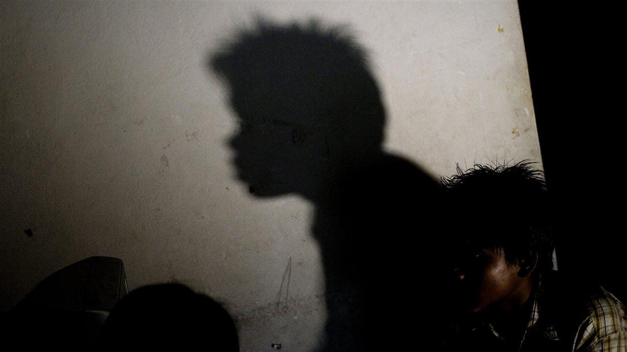 Un ancien enfant soldat du Myanmar. Un groupe affirme que l'armée continue de recruter des enfants, même si elle s'est engagée à ne plus le faire