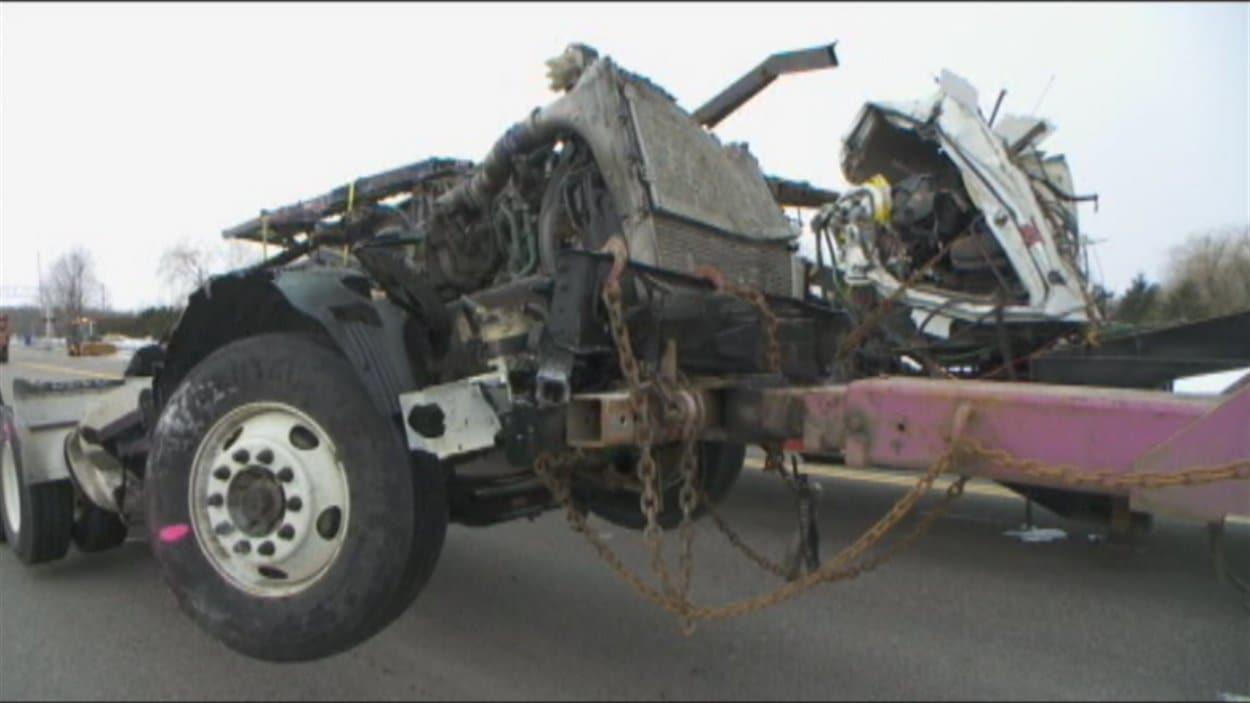 L'accident mortel impliquait deux poids lourds.