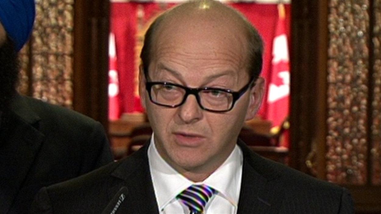 Le sénateur Claude Carignan