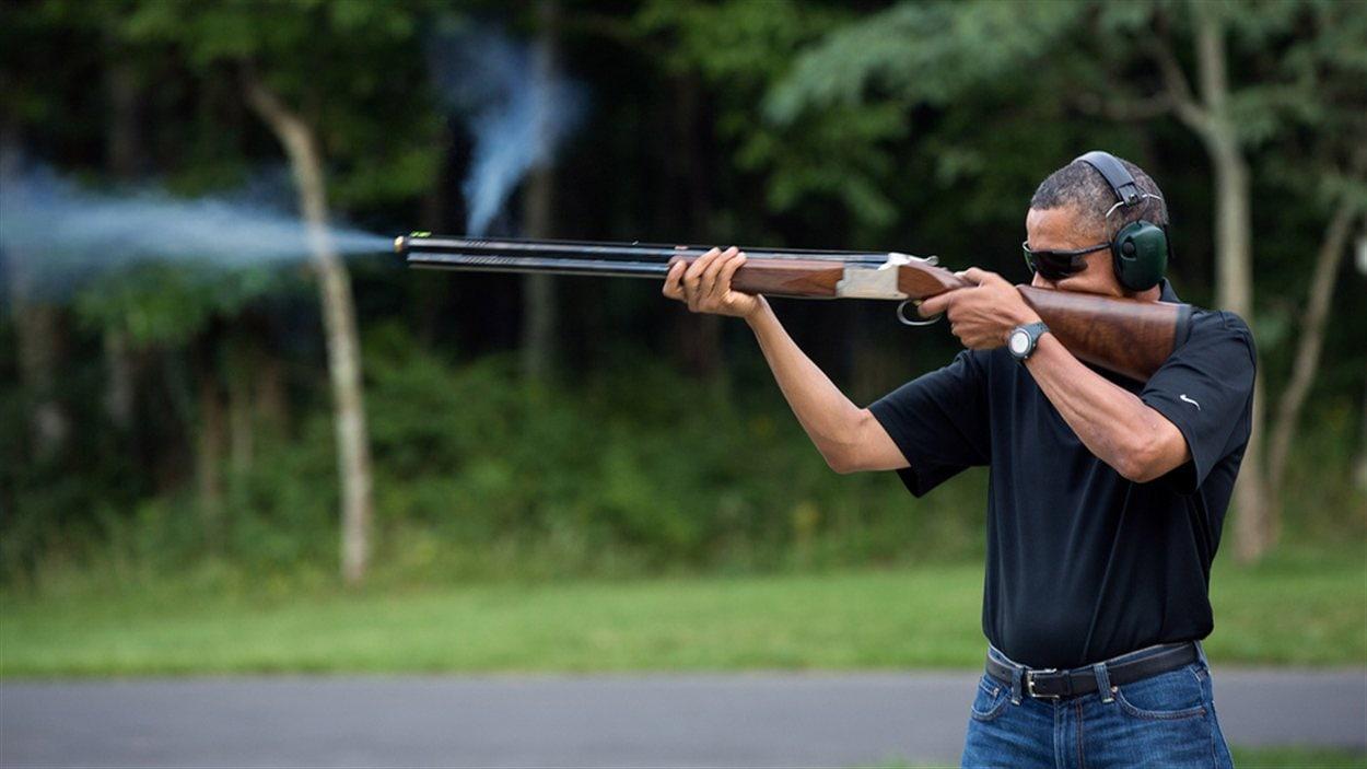 La photo de Barack Obama tirant au pigeon d'argile émise par la Maison-Blanche.