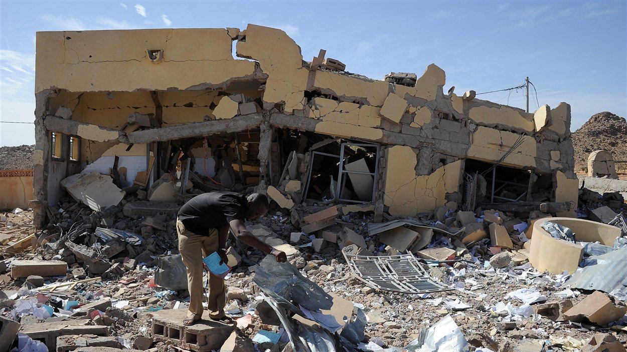 Un bâtiment détruit par un raid aérien français à Douentza, entre Mopti et Gao.