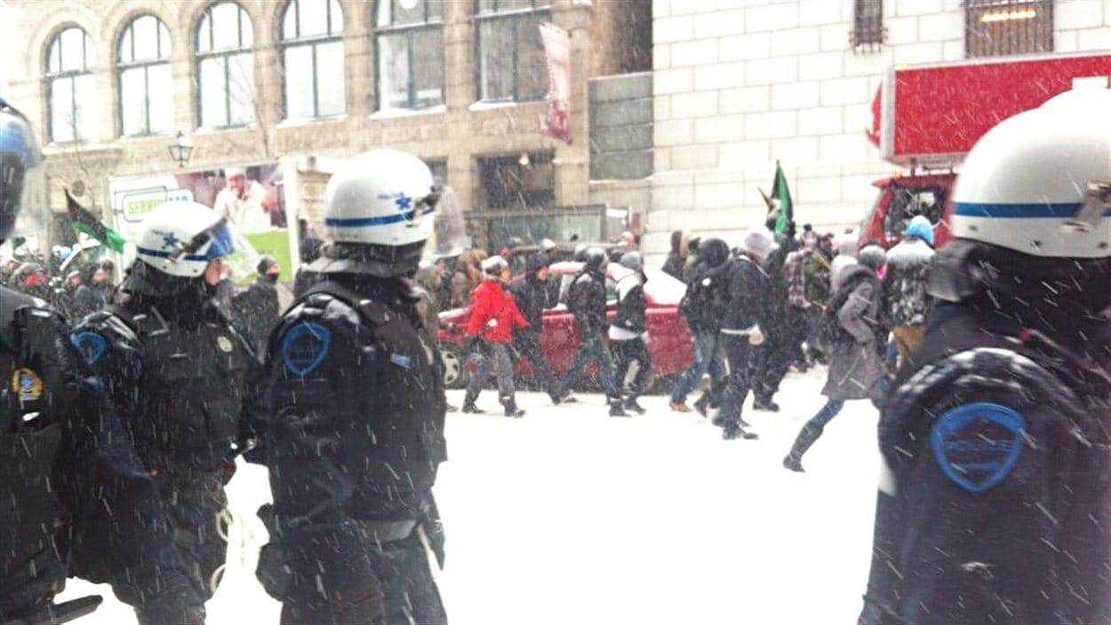 Manifestation contre le Plan Nord à Montréal