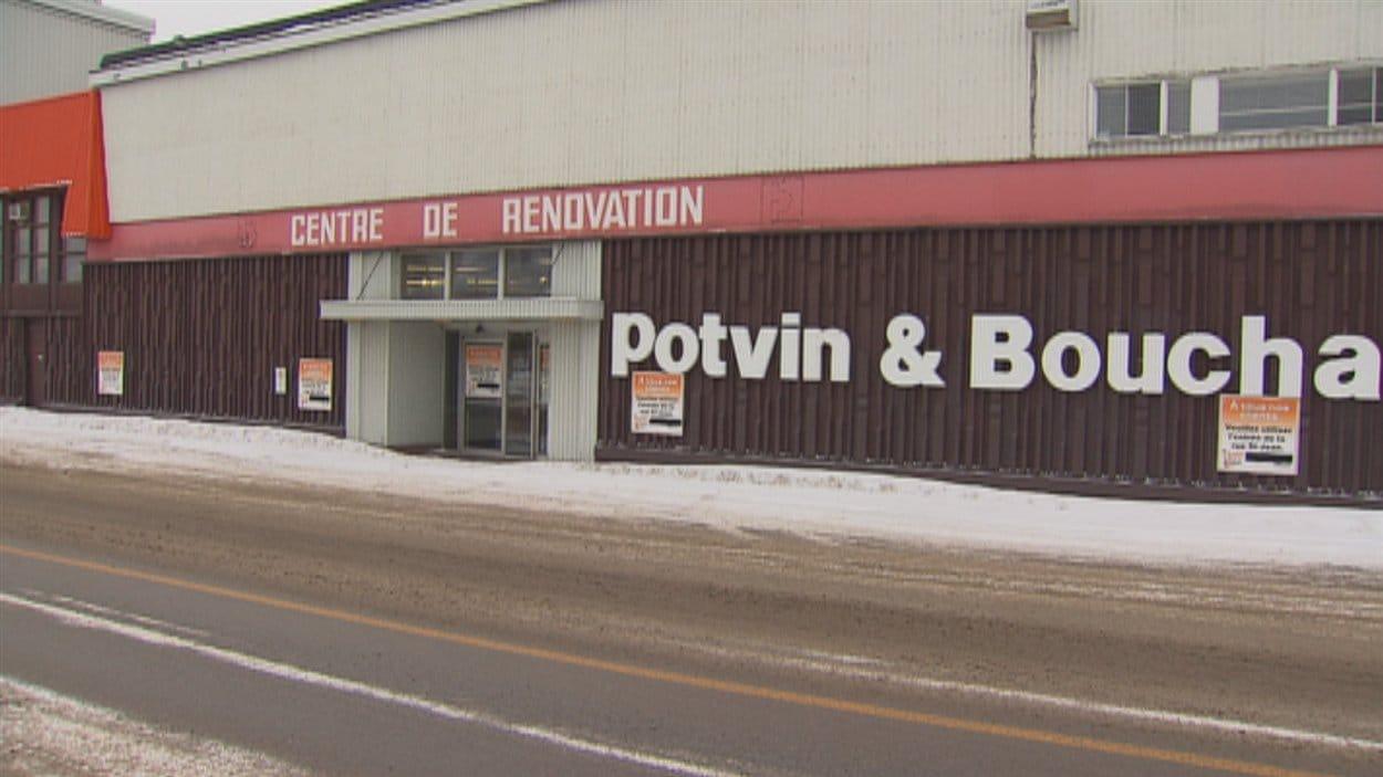 Le centre de rénovation Potvin et Bouchard, de la rue Saint-Jean