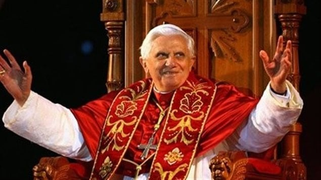 quel est le r el pouvoir du pape le pape fran ois succ de beno t xvi ici radio. Black Bedroom Furniture Sets. Home Design Ideas