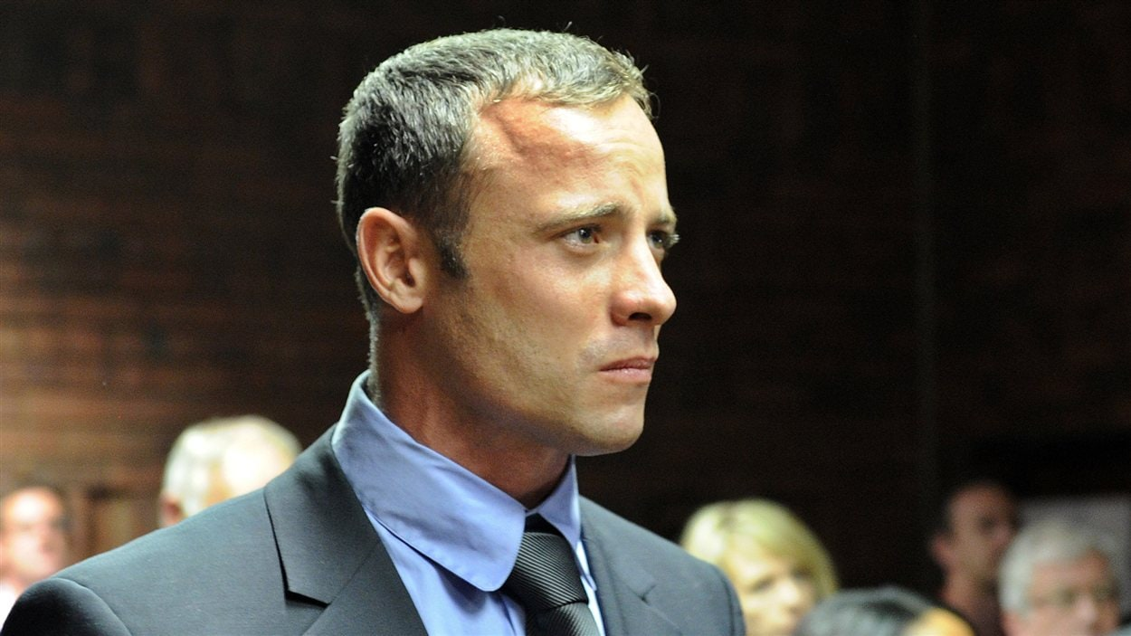 L'athlète handisport sud-africain Oscar Pistorius lors de sa comparution au tribunal de Pretoria le 19 février 2013.