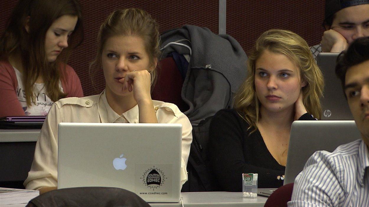 Plus de 10 000 jeunes Français vivent au Québec pour poursuivre leurs études.