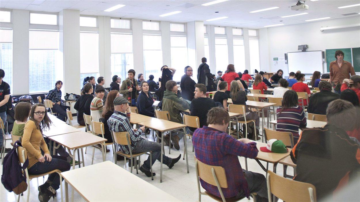 Des étudiants à l'Université Laval