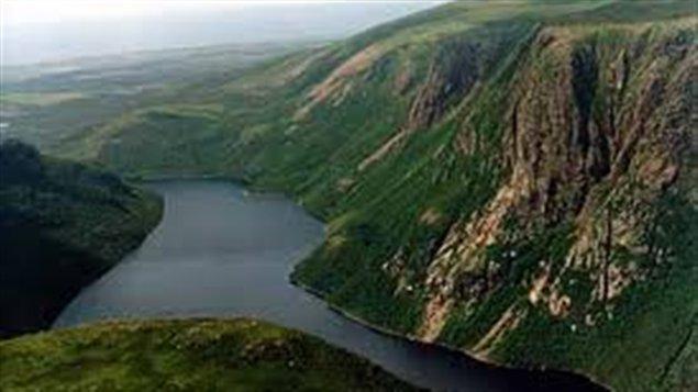 Vue magnifique du parc national de Gros Morne à Terre-Neuve