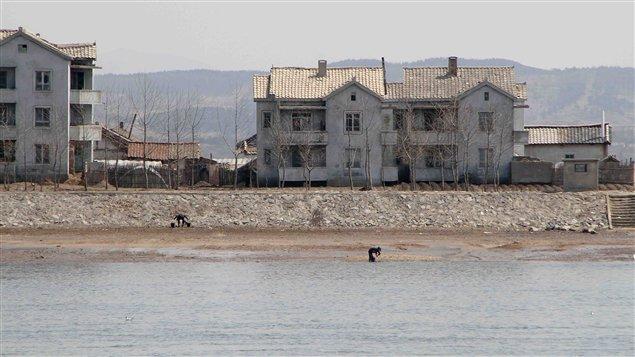 Un chantier, en Corée du Nord, qui semble sorti tout droit d'un autre siècle