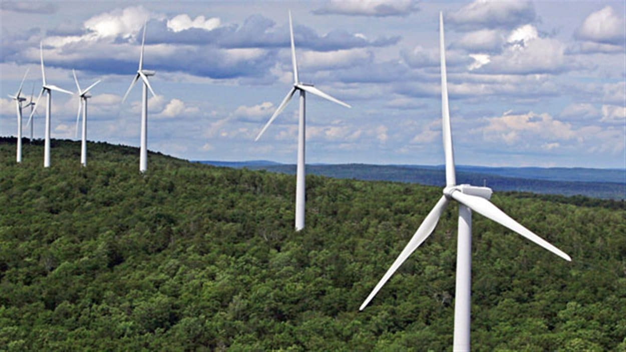 Un parc éolien québécois dans la région de la Gaspsie.
