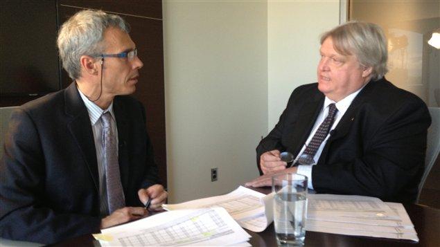 Le président de la Fédération des médecins spécialistes du Québec, Gaétan Barrette, répond aux questions de Benoît Giasson