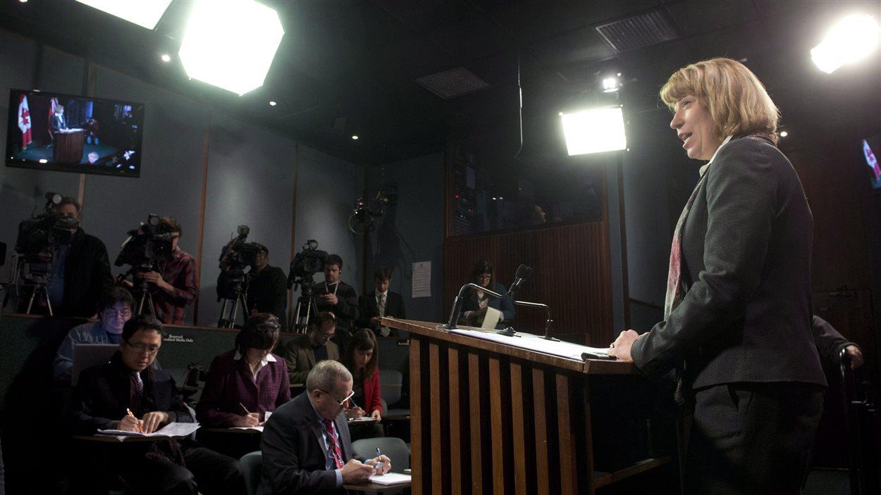 Laurel Broten, ministre déléguée à la Condition féminine