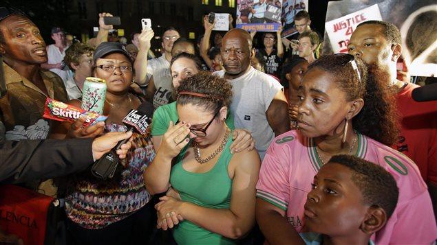 L'acquittement de George Zimmerman a déçu les manifestants qui se trouvaient à l'extérieur du palais de justice.