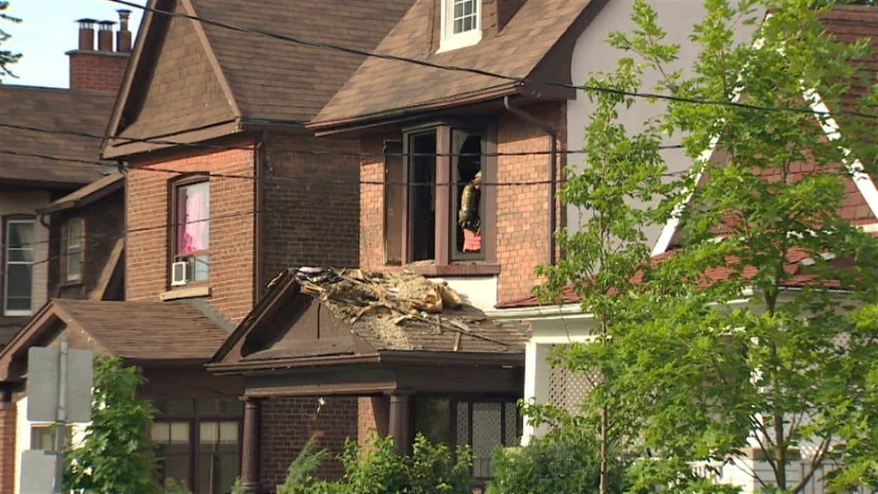 Incendie dans une maison de retraite de Toronto | ICI.Radio-Canada.ca