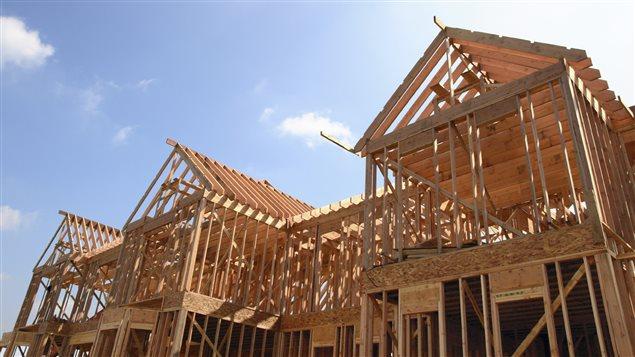 Prairies canadiennes p trole bas prix moins de maisons en construction ici radio for Construction de maison rurale