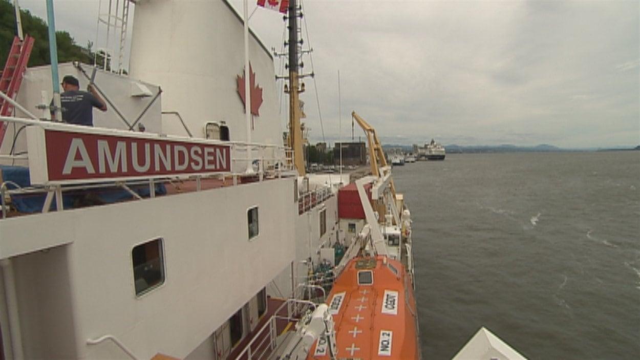 Le brise-glace de recherche canadien Amundsen