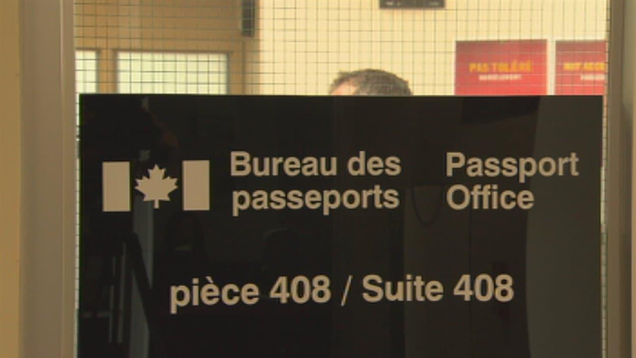 Signatures pour le bureau des passeports dans l