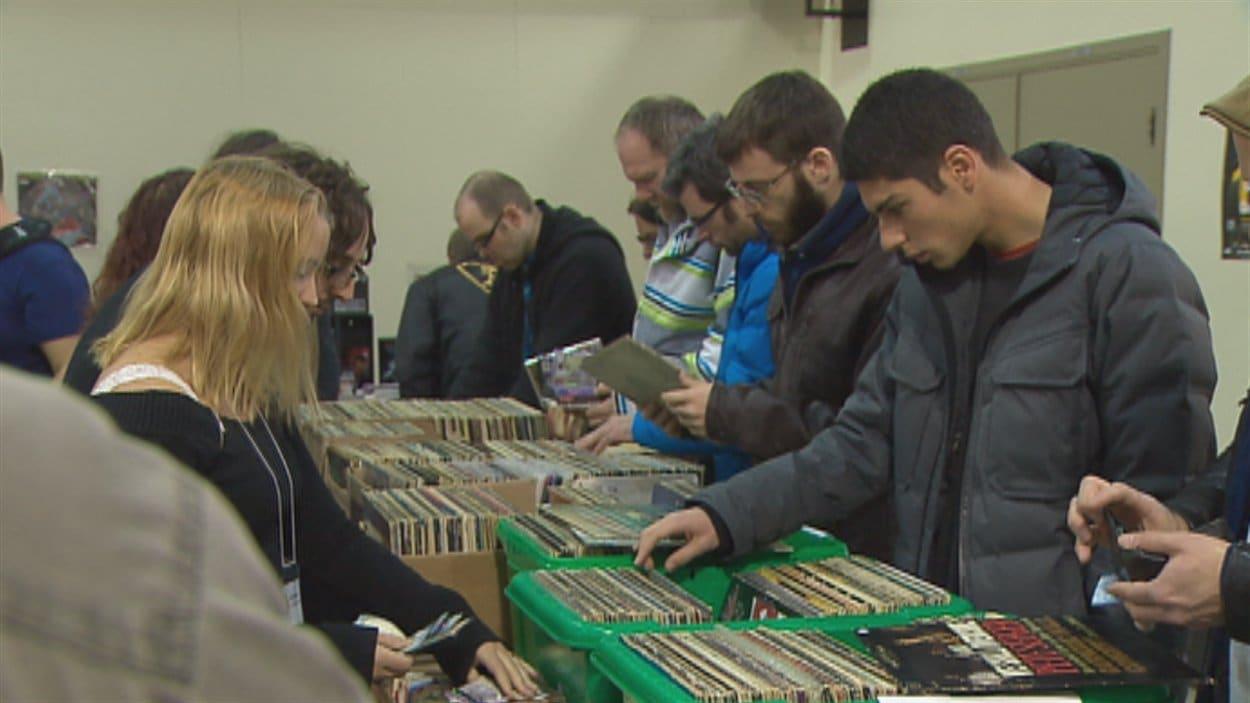 Le foire au disques attirre de nombreux passionnés de musique à Québec.