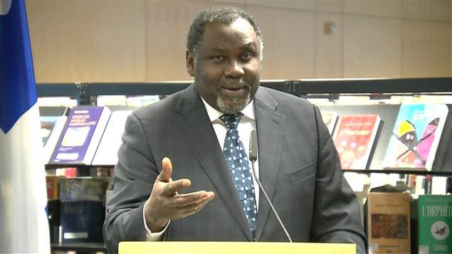 Le ministre Maka Kotto
